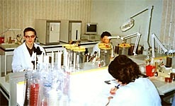 Laboratory_Clinical_Microbiology_photo.jpg